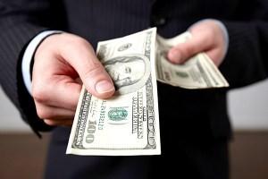 Стоит ли обращаться в микрофинансовые компании?