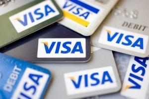 Сбербанк будет брать плату за снятие наличных с карт Visa других банков