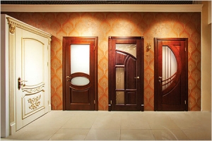 Как выбрать распашные двери?