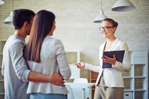 Продажа квартиры через риэлтора: что нужно знать