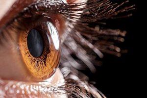 Как защитить глаза от смартфона: советы экспертов