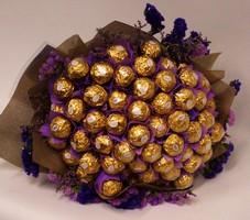 Букет из конфет – оригинальный и приятный подарок