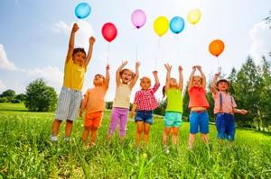Подвижные и веселые игры для детей на улице летом
