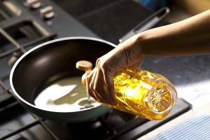 Кто первым получил масло?